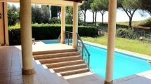 EUR LAURENTINA – Splendido appartamento su due livelli in un comprensorio con piscina