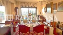Salotto- Prestigioso Appartamento EUR -ROMACASA