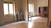 BOLOGNA PIAZZA – Adiacente l.go Lanciani/piazza Ermellini – Signorile appartamento con terrazzo