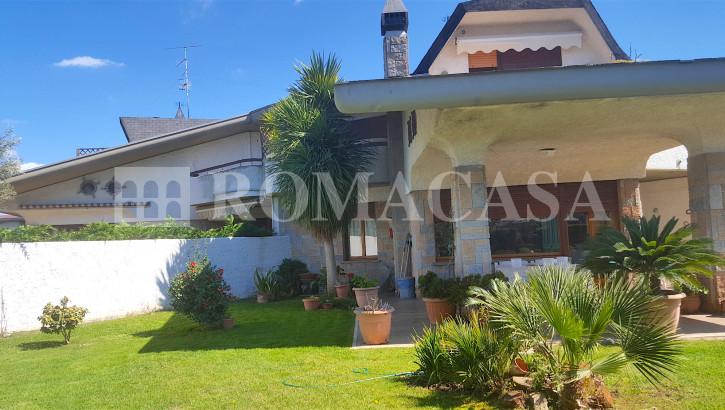 ARDEA (RM) – TOR SAN LORENZO – Splendida Villa