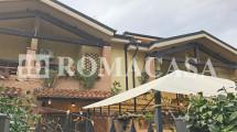 Esterno Villino EUR Fotografia -ROMACASA