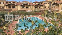 Piscina Condominiale Villino EUR Fotografia -ROMACASA