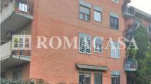 EUR Mezzocammino – Delizioso appartamento in palazzina in cortina immerso completamente nel verde