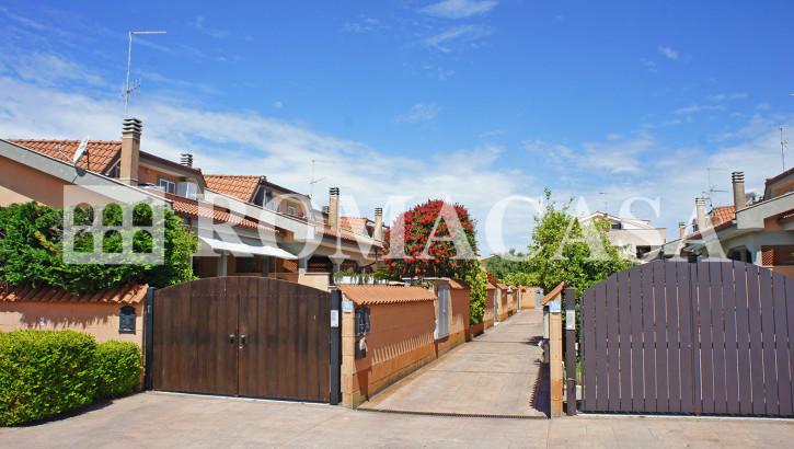 ARDEA (RM) – Nuova California – Splendida villa con giardino perimetrale recentissima costruzione