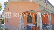 Patio - Villa Ardea Nuova California - ROMACASA