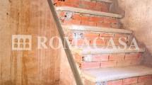 Dettaglio Scala Palazzo Storico Bagnoregio (VT) - ROMACASA