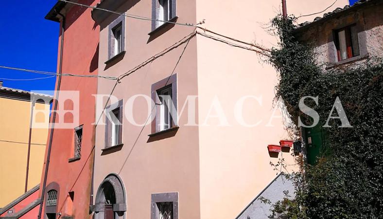 Esterno_Palazzo Storico Bagnoregio (VT) - ROMACASA