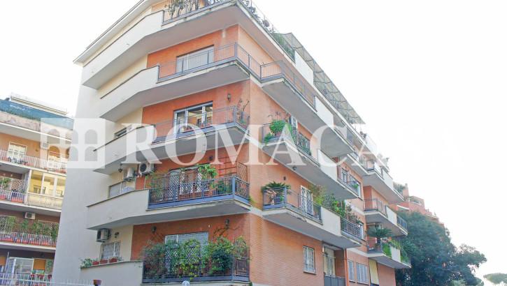 VIGNA CLARA – Quadrilocale in Via Giovanni Fabbroni di 145 mq. – Piano alto panoramico signorile