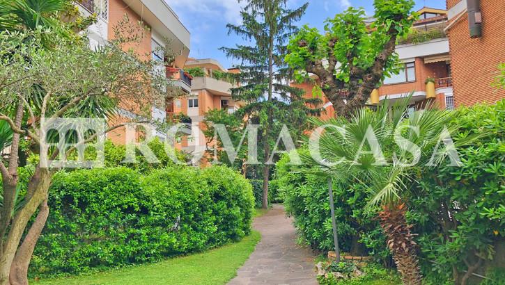 GREGORIO VII – Delizioso monolocale traversa via Piccolomini in elegante stabile piano alto – Nuovo
