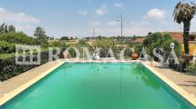 Piscina  Appartamento Castel di Leva - ROMACASA