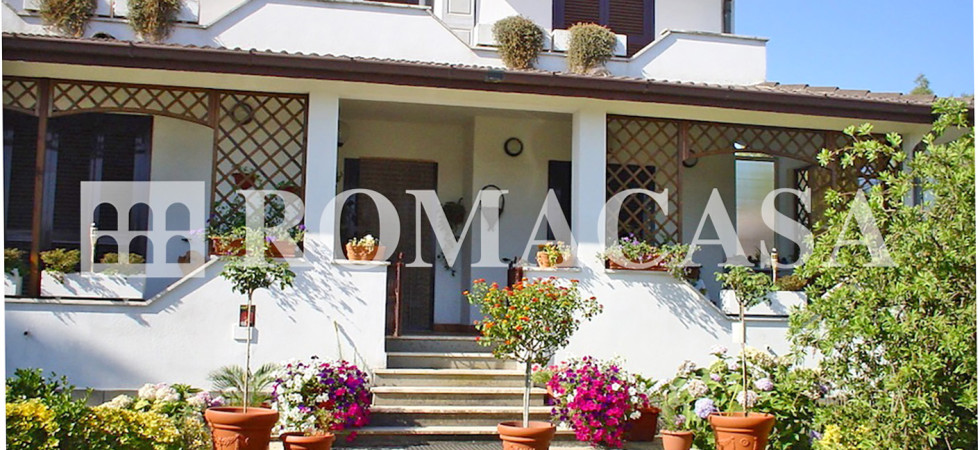 Esterno Villa Ardea -ROMACASA