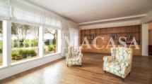 ARDEATINA – Splendida Villa Trilivelli con ampio giardino