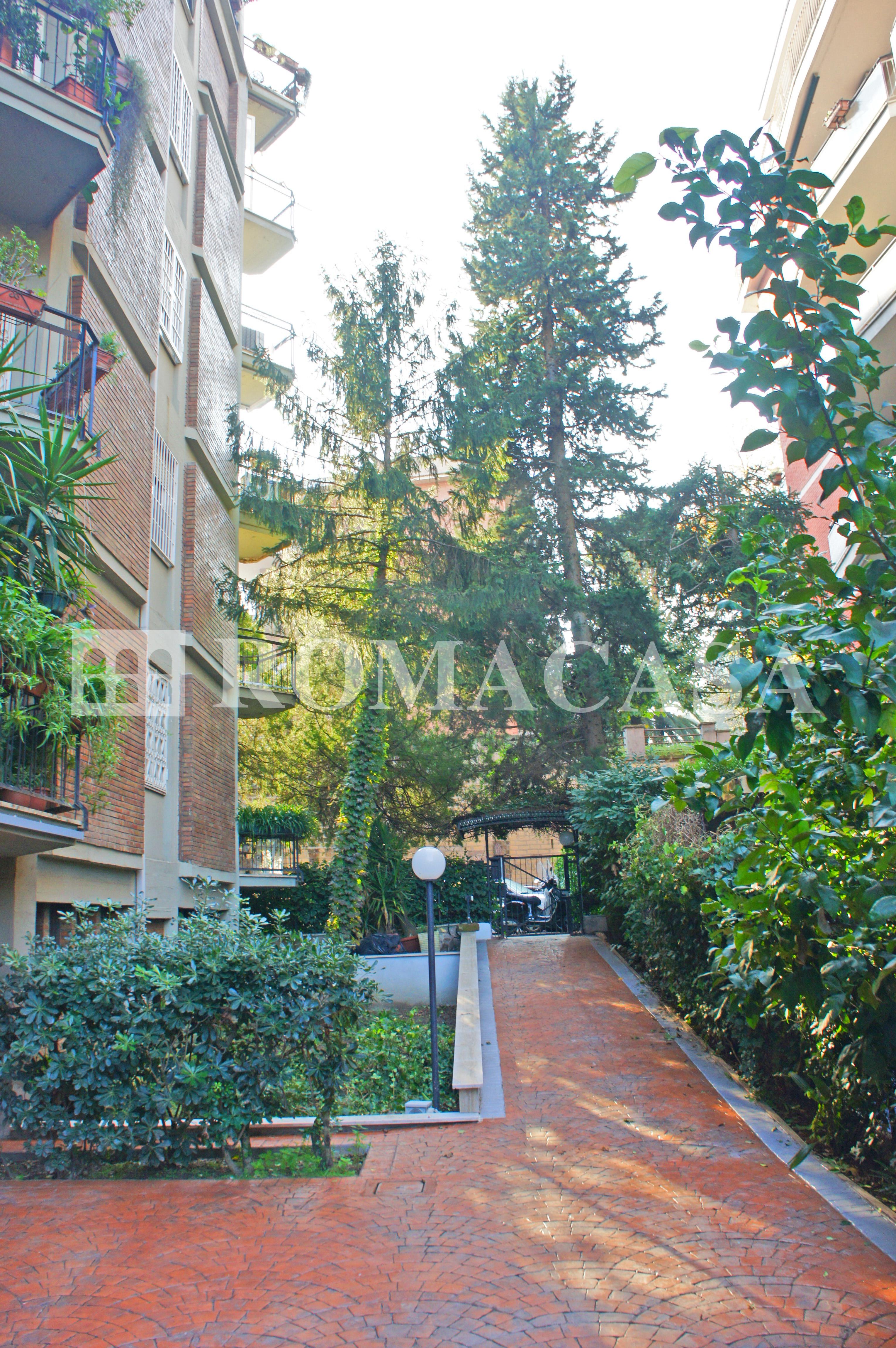 Ingresso Stabile Appartamento EUR - ROMACASA