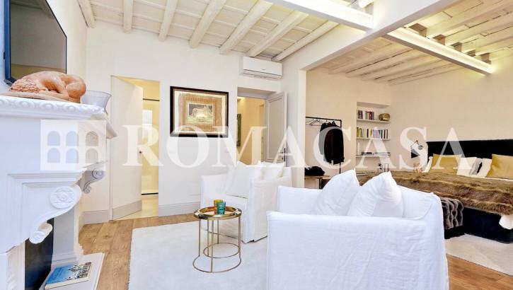 CENTRO STORICO ROMA – S.Lorenzo in Lucina – Appartamento di design