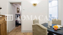 Dettaglio Sala con Cucina  Appartamento Centro Storico Roma -ROMACASA