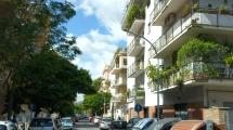 ANNUNZIATELLA – Via Bompiani – Appartamento di 100 mq. piano alto con balconi – Stabile signorile